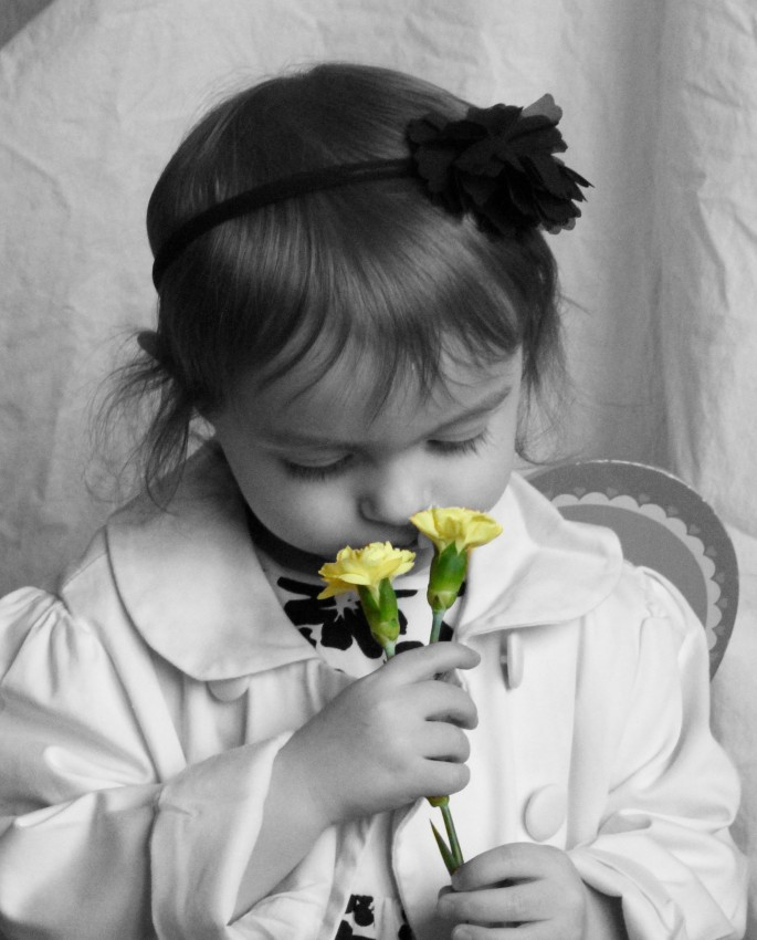 freya flower bw